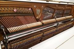 meccanica,pianoforte,verticale,schwechten ,bianco