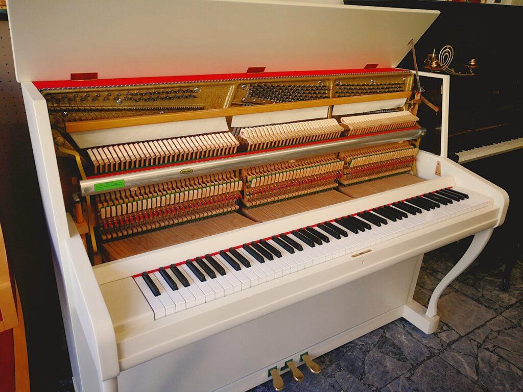 Pianoforte verticale bianco avorio Clement